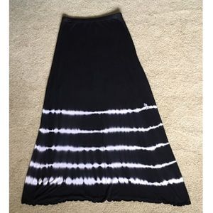 Tryst Black & White maxi skirt
